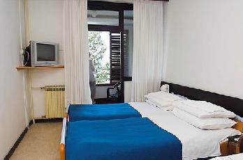 Villa Dalmacija / Thalassotherapy Цриквеница