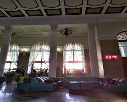 Иркутск. Железнодорожный вокзал. Комфортабельный зал ожидания.