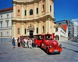 Туристический паровозик в Братиславе