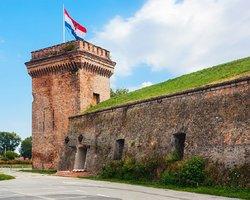 Крепость Тварда