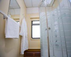 Общий душ в вагоне