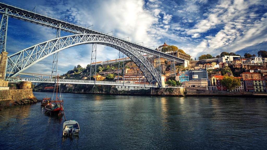 Железнодорожный мост в Порту