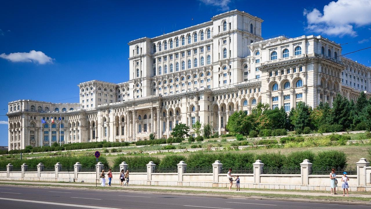 Парламент Бухареста