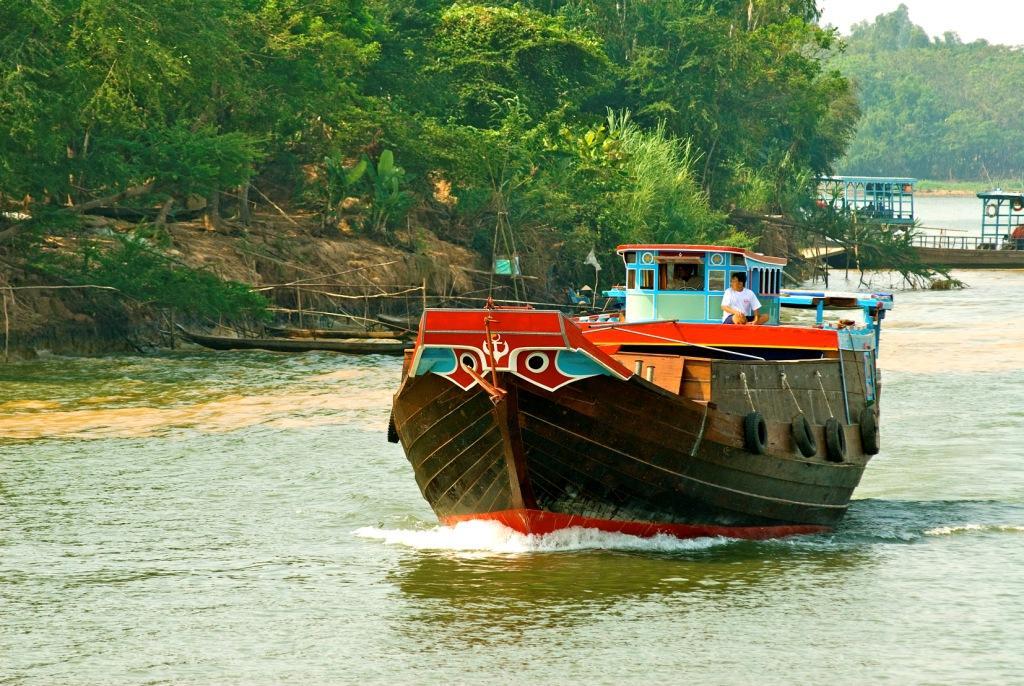 Чау Док