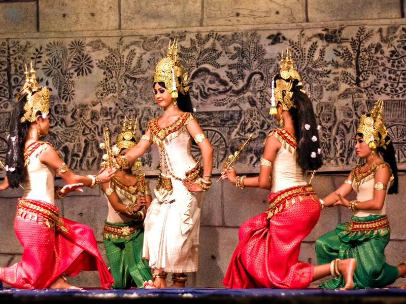 Традиционные кмерские танцы.