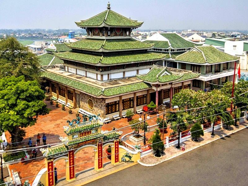 Храм Ба Чуа Ксу