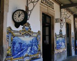 Азулежуш на вокзале в Пиньяне